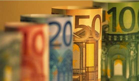 35年华尔街交易员:不光是美元,现在就连欧元的命运也系于任性总统了?