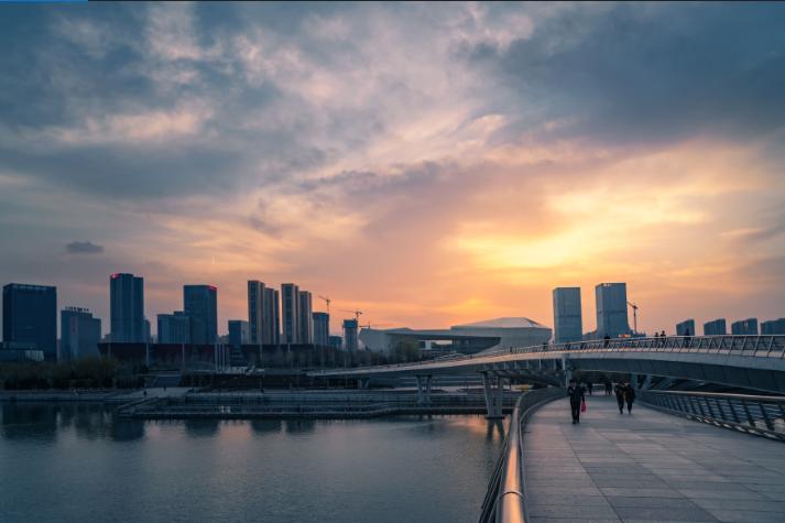 中信明明2019年十大展望:宏观经济、金融市场的十字路口