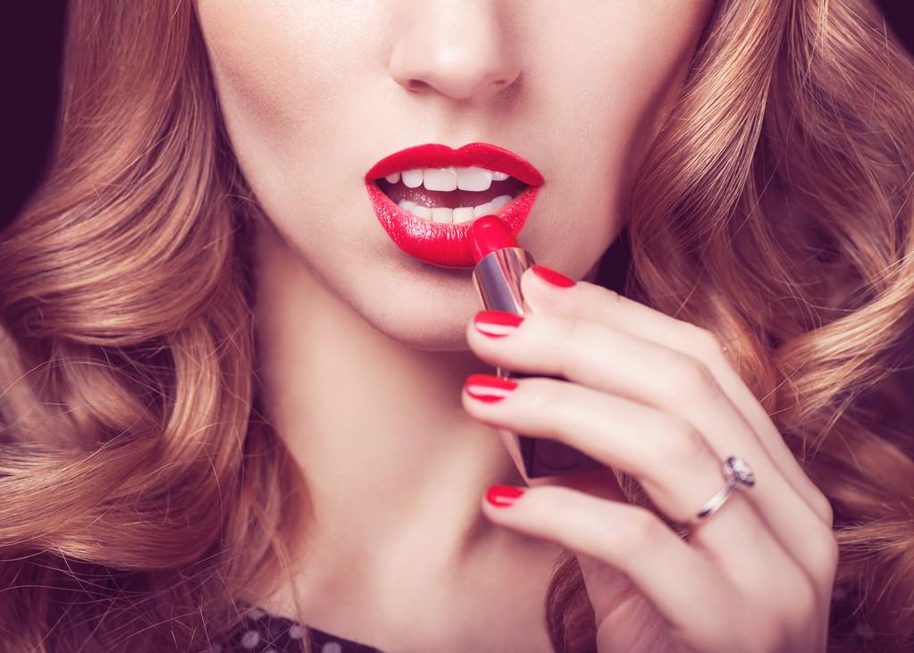 化妆品行业增速领衔其它社零,其前景如何?