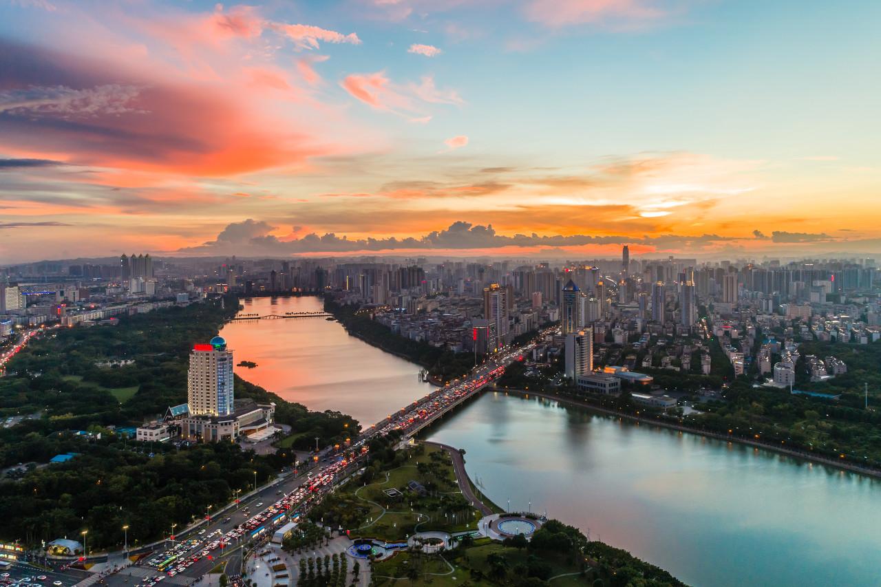 【业绩会直击】中国再保险(01508.HK):保费收入快速增长,经营效益显著提升