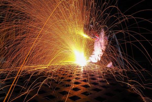 钴概念板块再受新能源支撑!钴价上行空间或已开启?