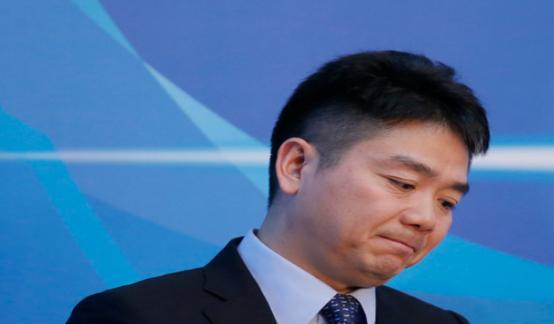 刘强东被迫下了一盘棋