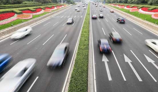 发改委:加大政策支持力度,因地制宜促进汽车、家电消费