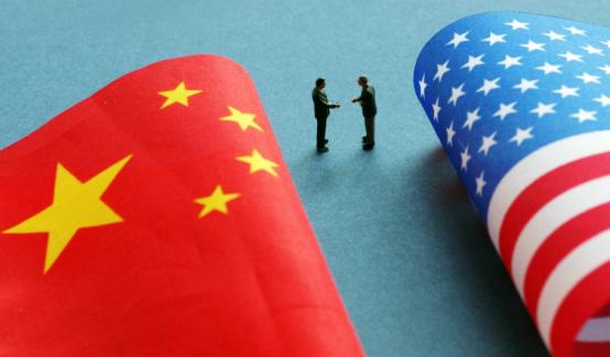 人民日报:落实中美元首共识 合作解决经贸问题