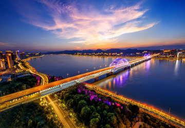 宝龙地产(1238.HK):业绩持续向上稳固,指数调整股价震荡背后的机会